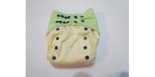 couche à poche- jaune et vert