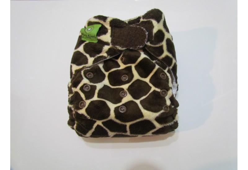 Couche Mini Kiwi à poche - giraffe extérieur en minky-velcro