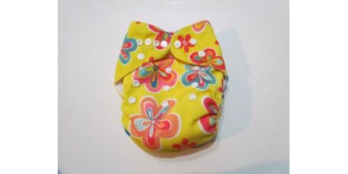 Couche Alva- Extérieur en minky doux- Fleur fond jaune