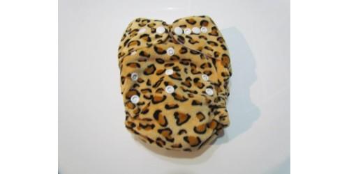 Couche  à poche one size- Léopard- extérieur en minky doux