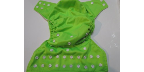 Couche BBd luxe- Verte lime- snap- Mini tâche